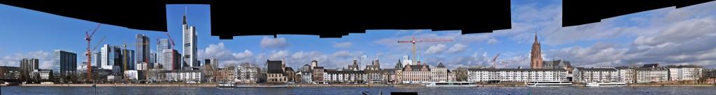 Frankfurt Skyline und Mainufer